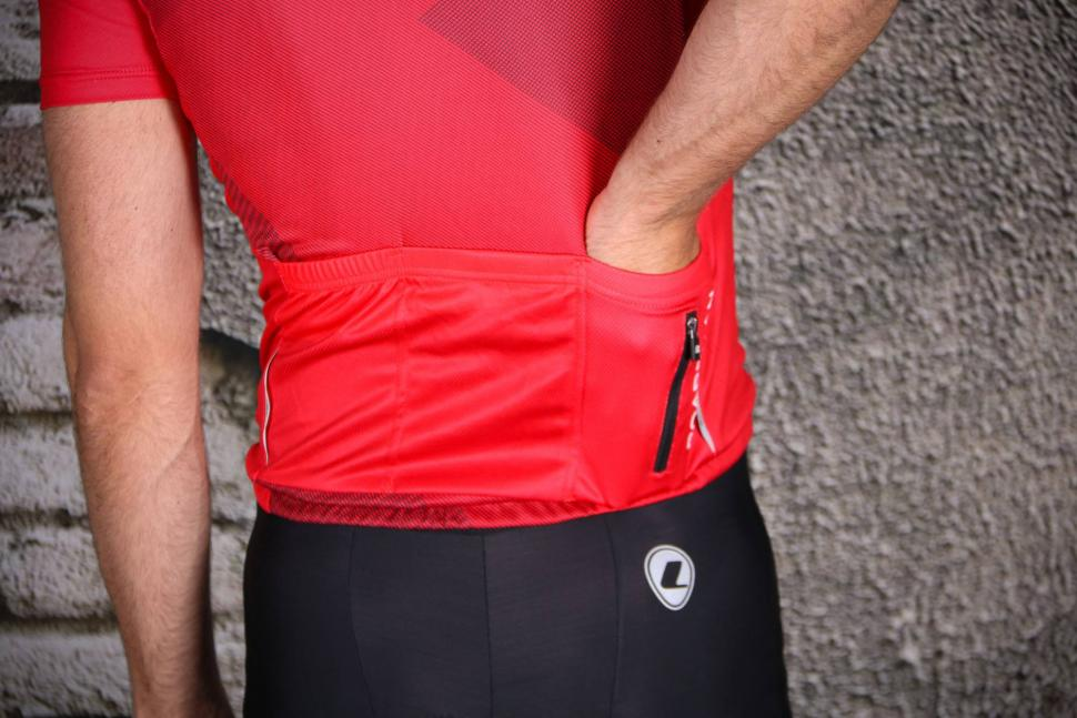 Boardman Relaxed Fit Mens cycle Jersey - pocket.jpg