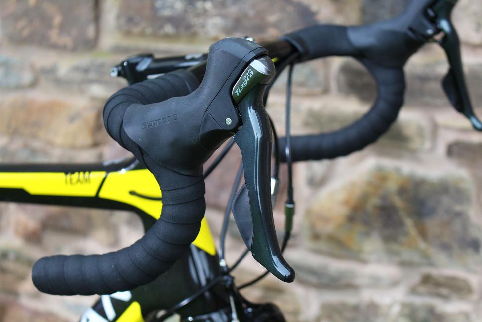 Boardman Road Team Carbon - lever.jpg