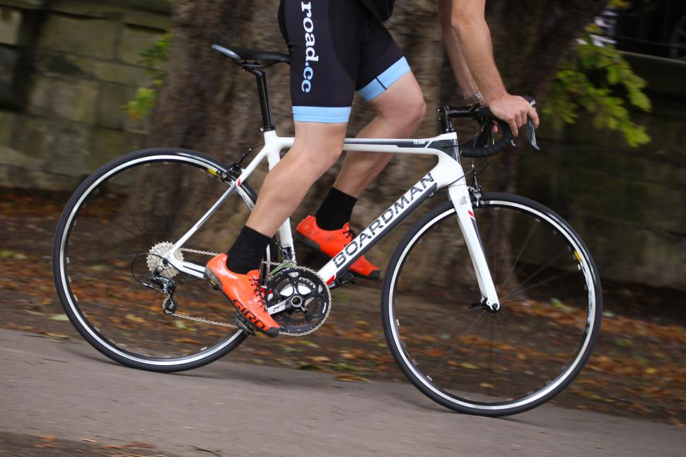 Boardman Road Team Carbon - riding 1.jpg