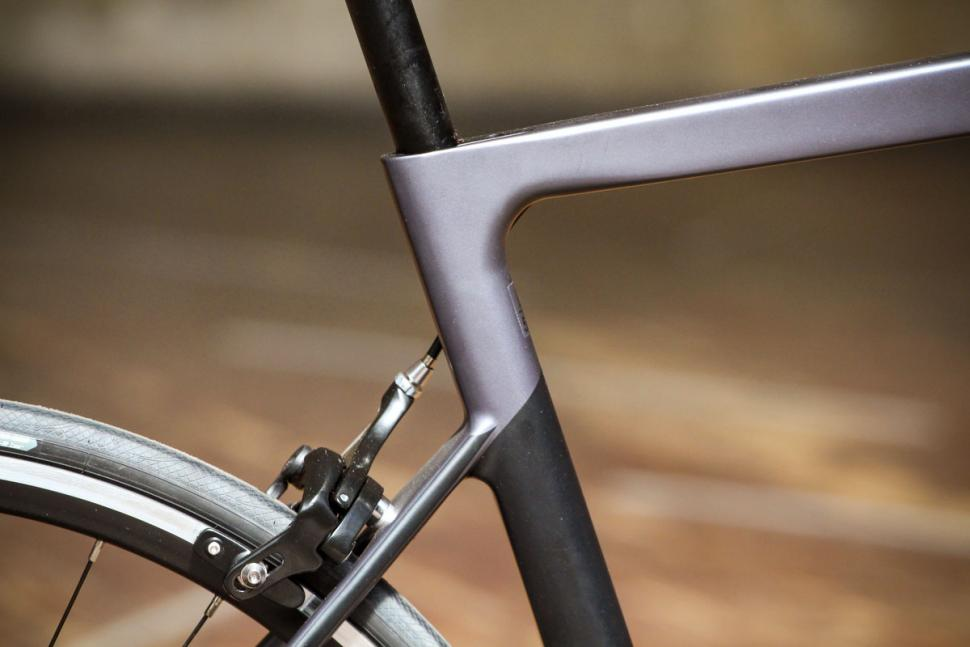 boardman_slr_8.9_carbon_-_seat_tube_junction.jpg