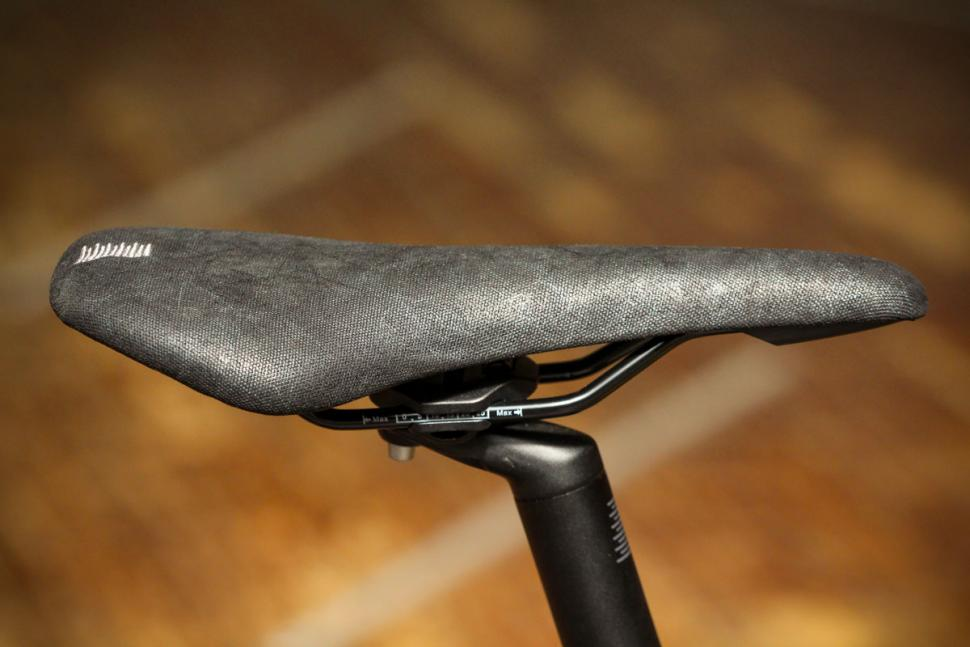 boardman_urb_8.8_-_saddle.jpg