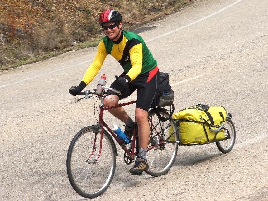 BOB trailer in use (CC BY-NC 2.0 bikewandering:Flickr).jpg