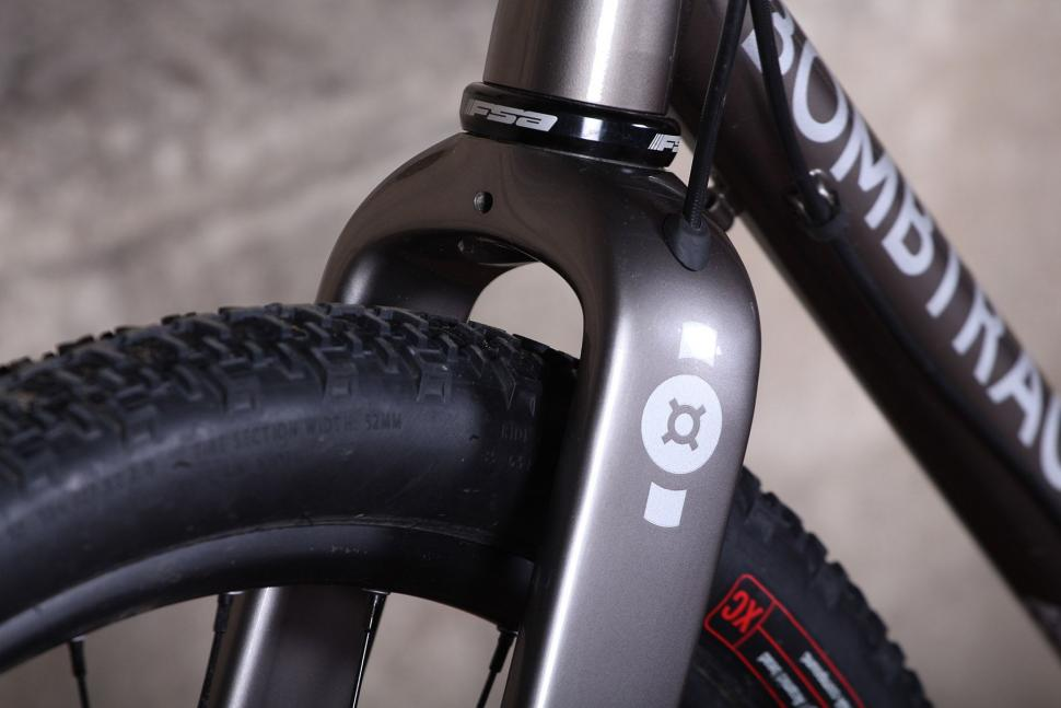 Bombtrack Hook EXT - fork clearance.jpg
