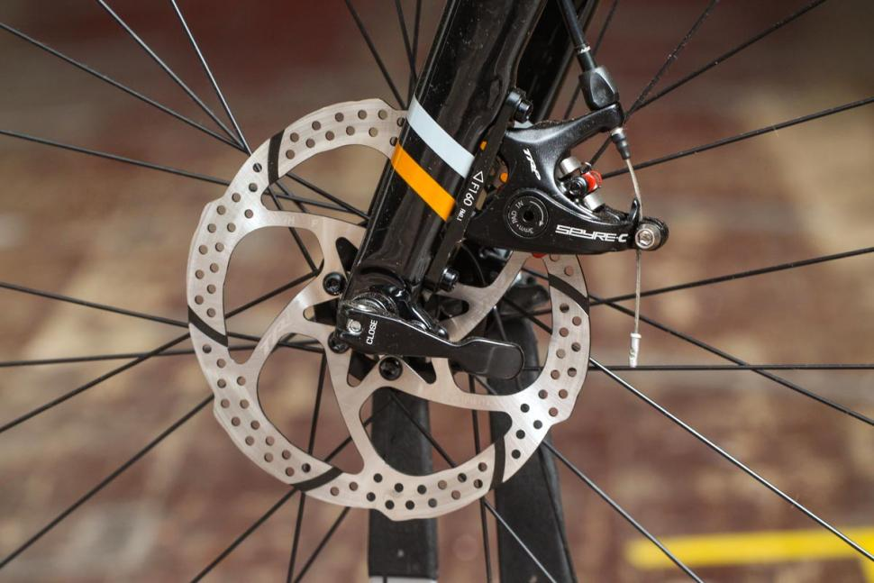 bombtrack_audax_-_front_disc_brake.jpg