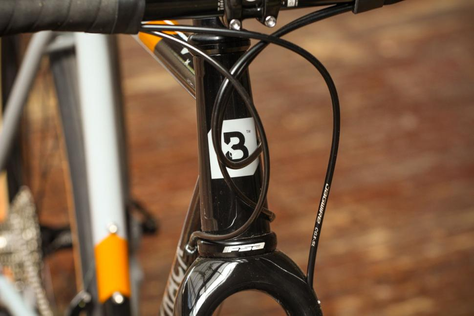bombtrack_audax_-_head_tube_badge.jpg