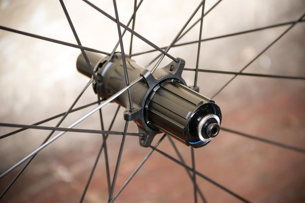 Bontrager Aeolus Pro 3 TLR Road wheels - rear hub.jpg