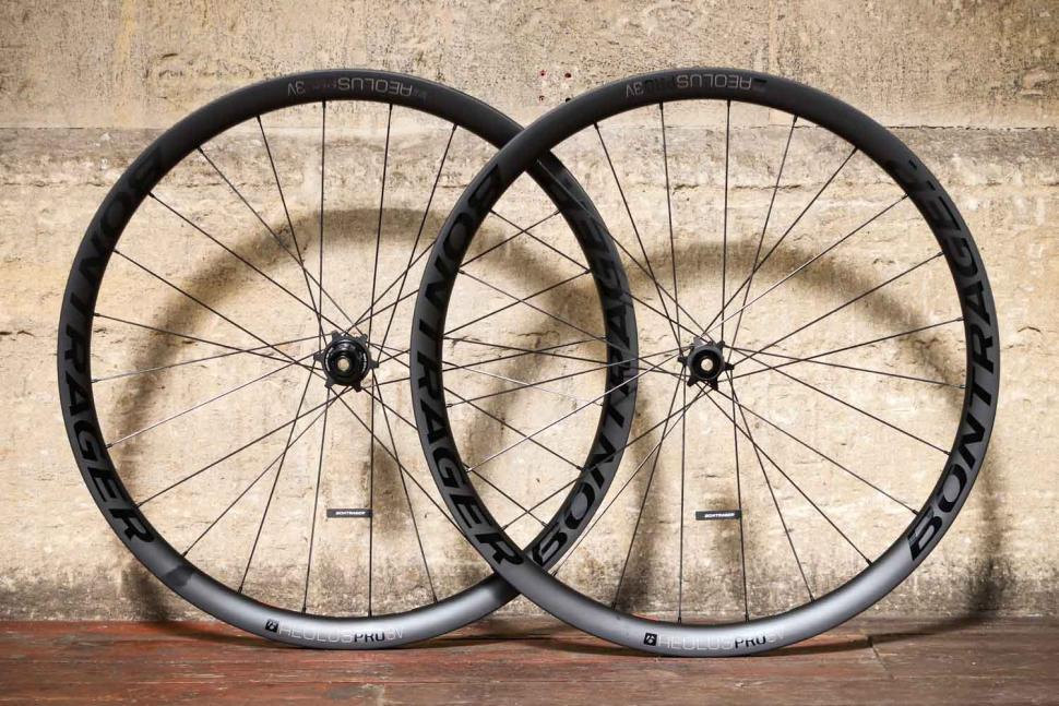Bontrager Aeolus Pro 3V TLR Disc Road Wheel.jpg
