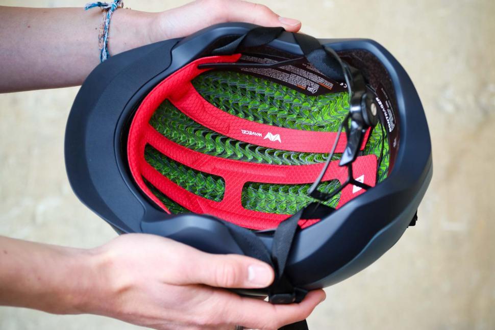 Bontrager Charge WaveCel Commuter Helmet - inside.jpg