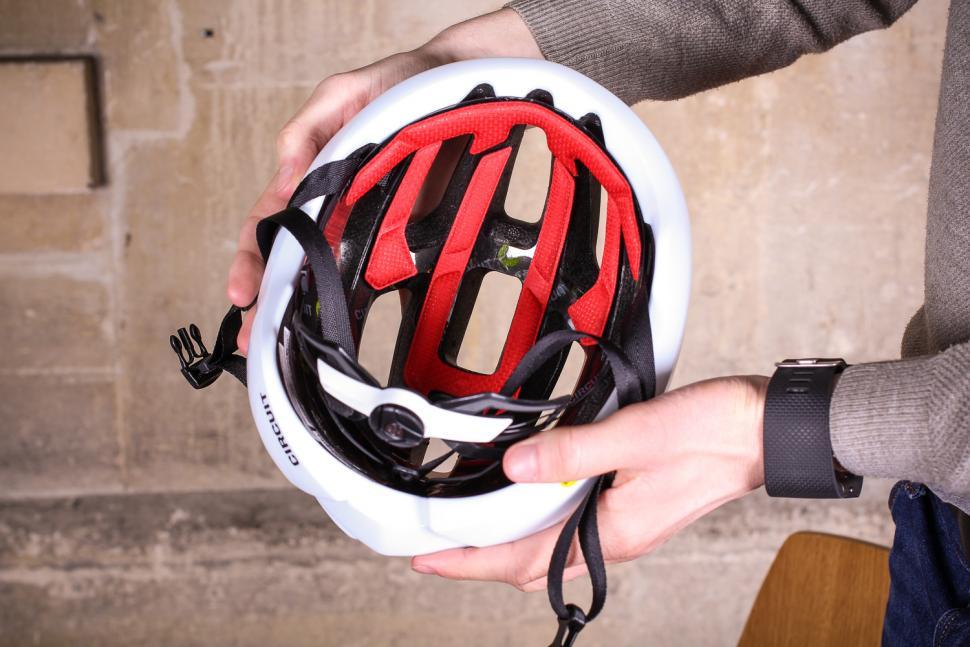 Bontrager Circuit MIPS road helmet - inside.jpg