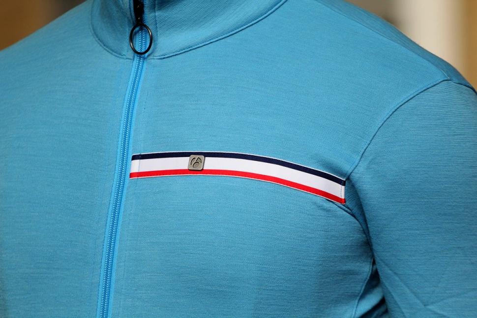 Bontrager Classique Thermal Long Sleeve Jersey - chest.jpg
