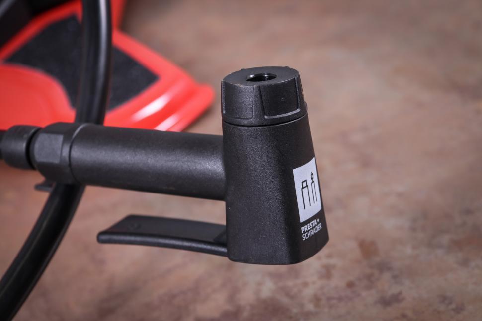 Bontrager Dual Charger floor pump-6.jpg