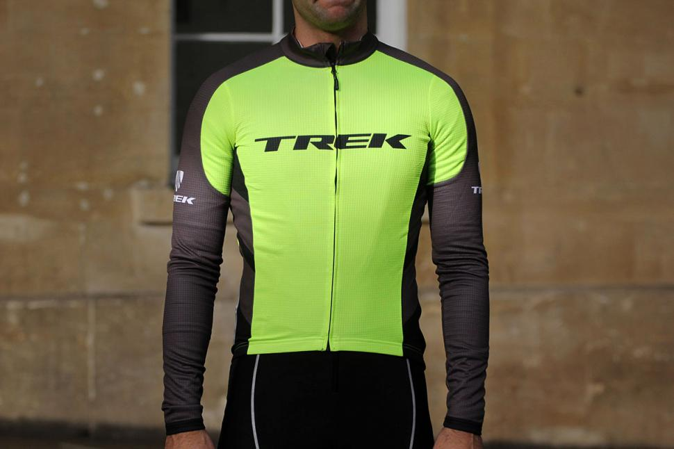 Review  Bontrager Specter Thermal Long Sleeve Jersey  22f07c26f