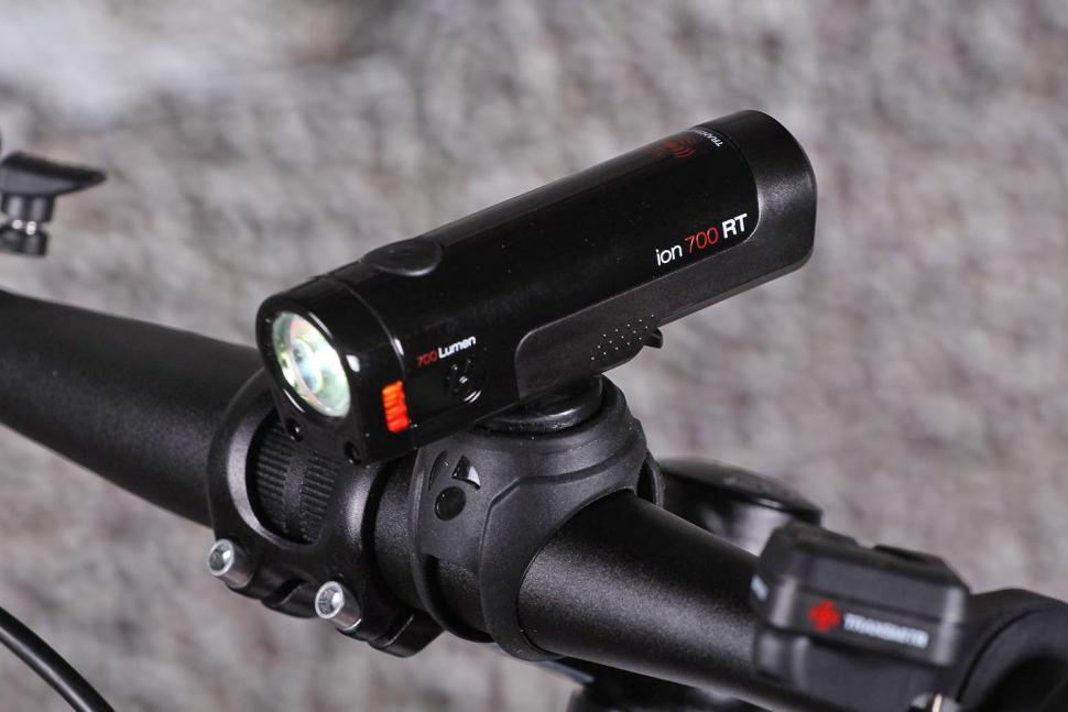 Bontrager Transmitr Light Set and Wireless Remote - front light.jpg