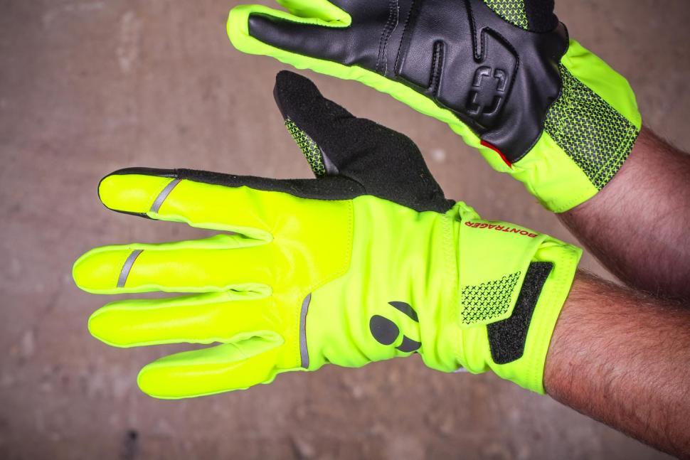 Bontrager Velocis S1 softshell glove - back.jpg