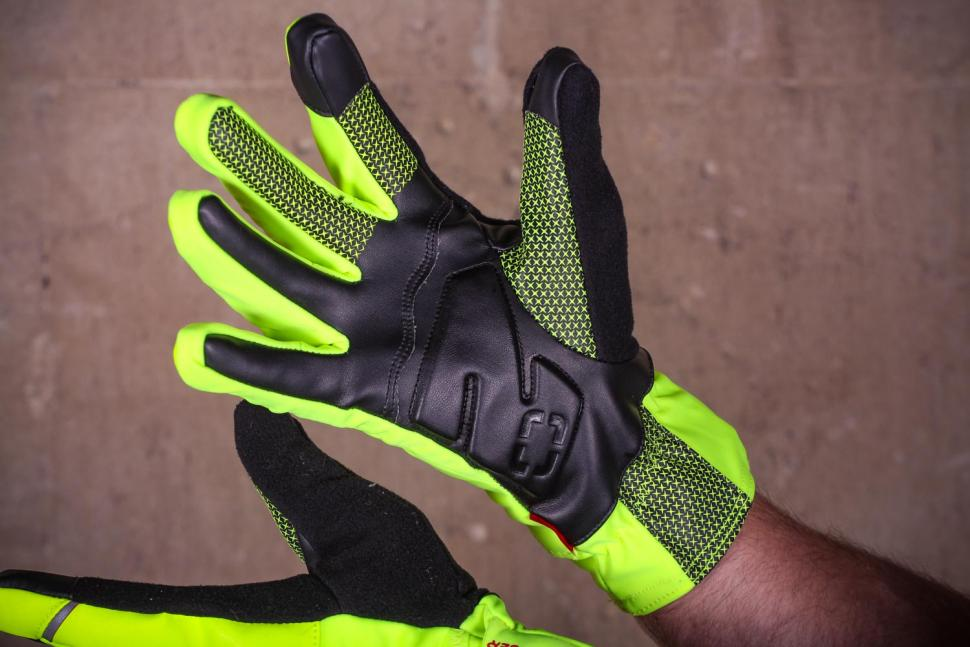Bontrager Velocis S1 softshell glove - palm.jpg