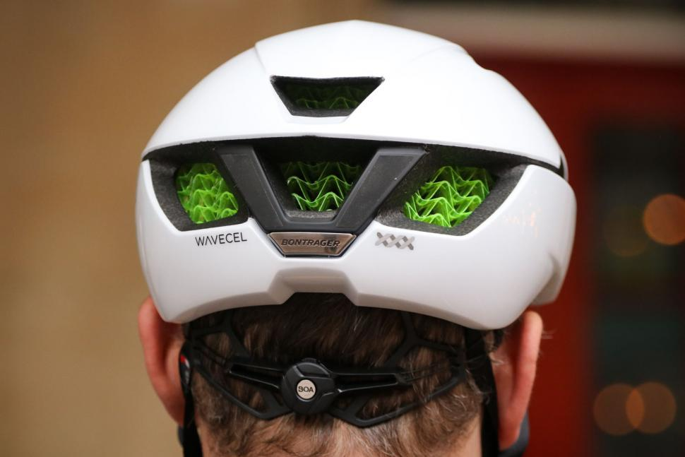 Bontrager XXX WaveCel helmet - back.jpg