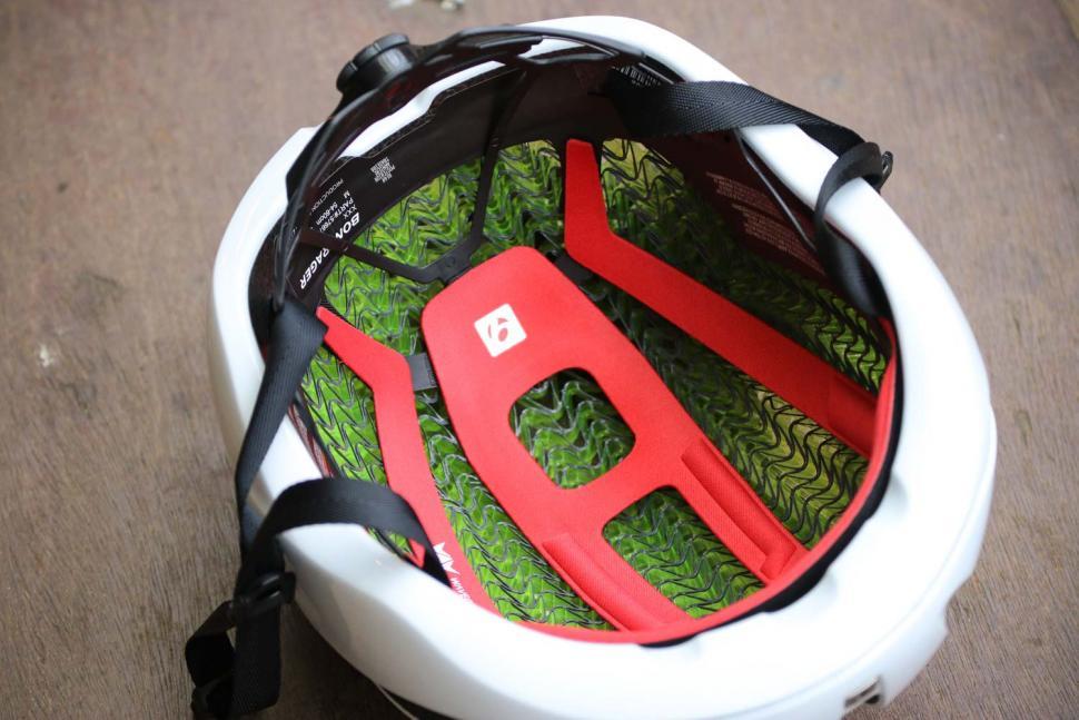 Bontrager XXX WaveCel helmet - inside.jpg