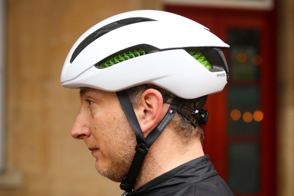Bontrager XXX WaveCel helmet - side 2.jpg
