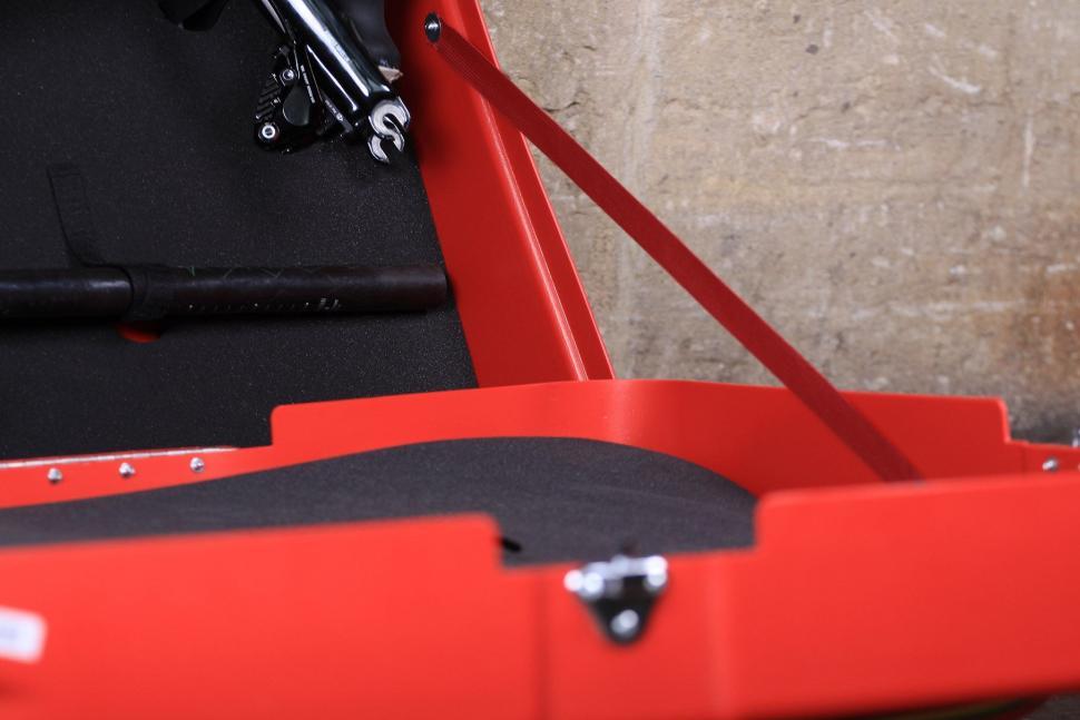 Bonza Bike Box - strap.jpg