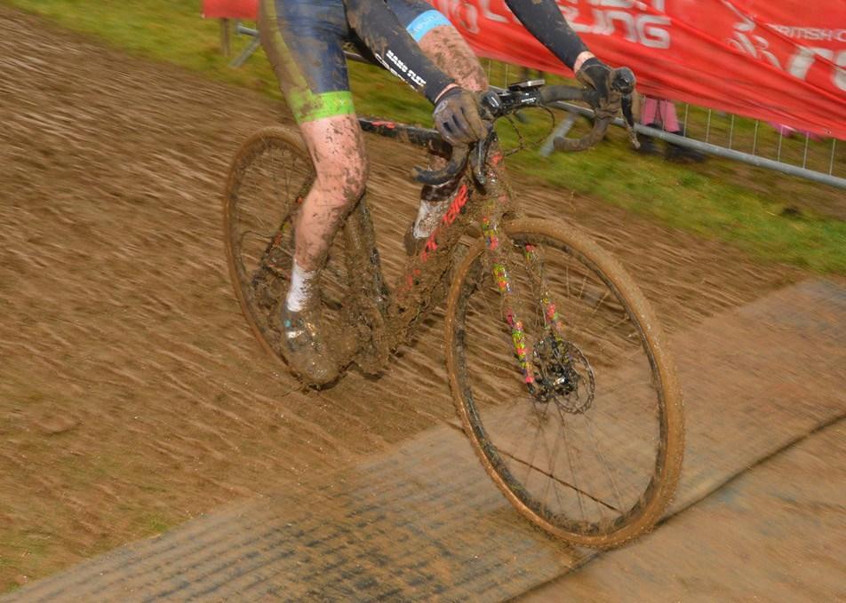 BORG22T wheels mud.jpg