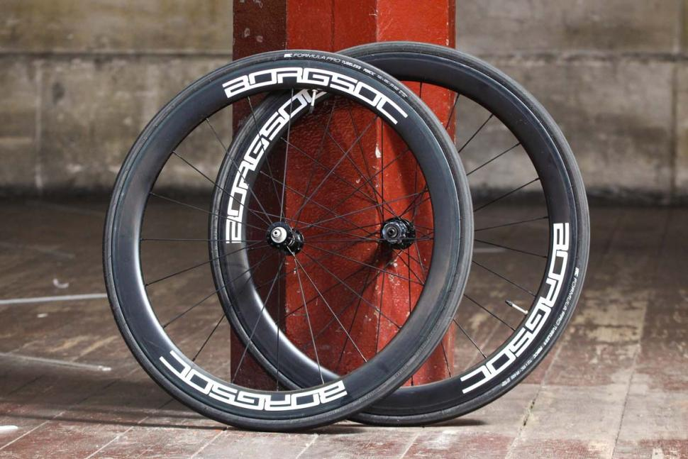 borg_50c_carbon_clinchers_tubeless_ready.jpg