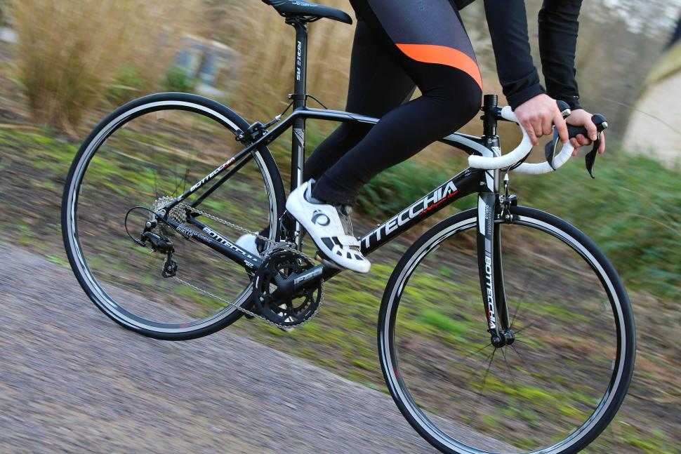 Bottecchia Reparto Corse Duello - riding 1.jpg