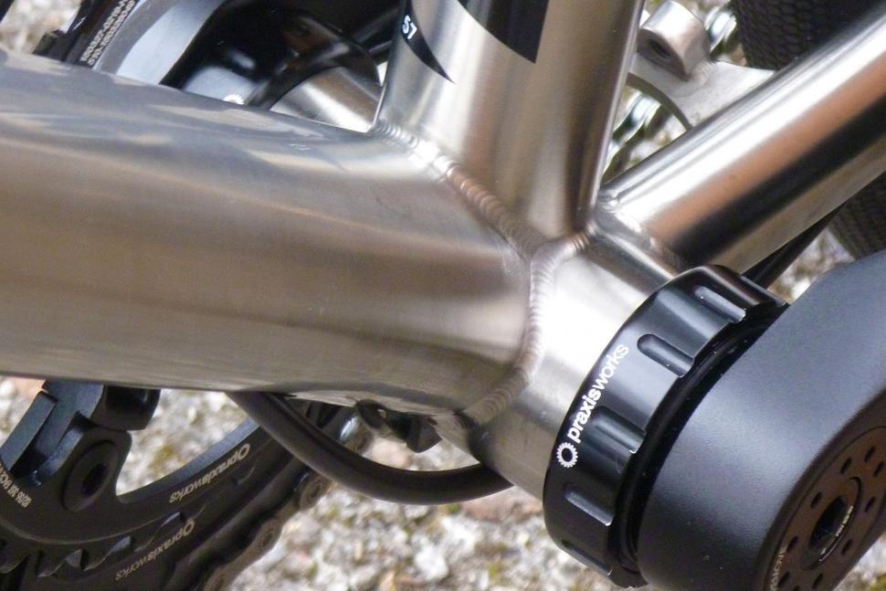 bottom bracket shell.jpg