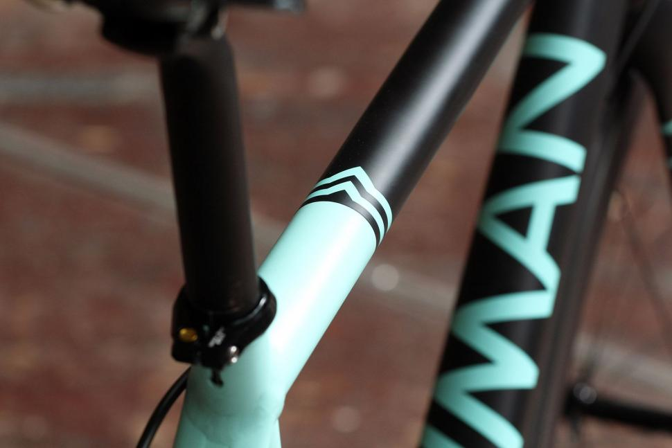 Bowman Palace R - top tube detail 2.jpg