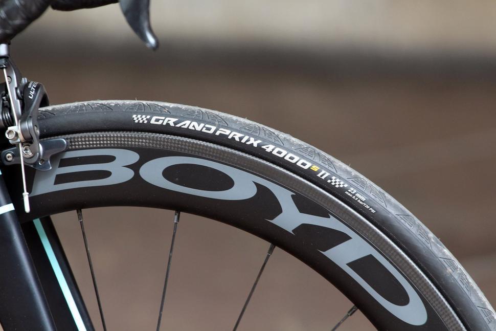 Bowman Palace R - tyre and rim.jpg