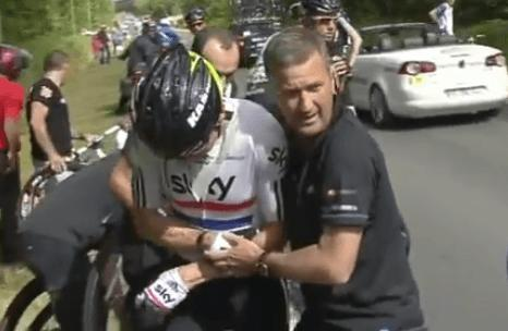 Bradley Wiggins and Richard Freeman at 2011 Tour de France video still.PNG
