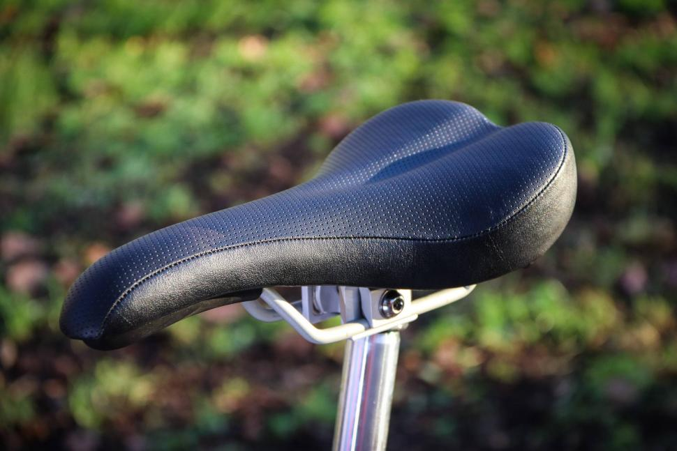 Brompton - saddle.jpg