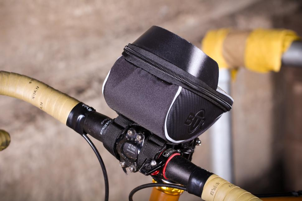 Waterproof MTB Mountain Bikes Frame Front Bag for Bicycles Mobile Phone Holders