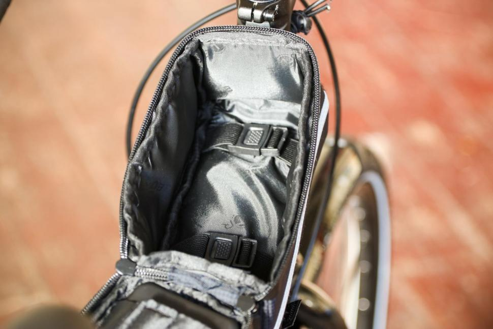 BTR Deluxe Bike Bag Phone Holder - inside.jpg