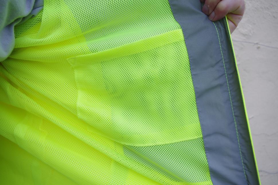 BTR Jacket internal pocket _ mesh lining.jpg
