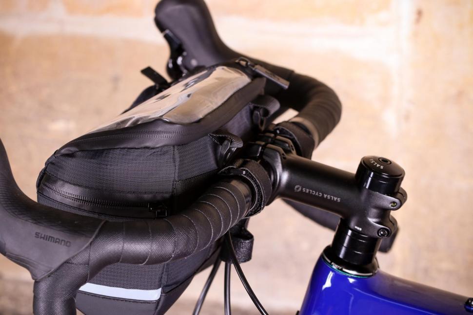 BTR Water Resistant Handlebar Bike Bag With Phone Navigation Pocket - straps.jpg