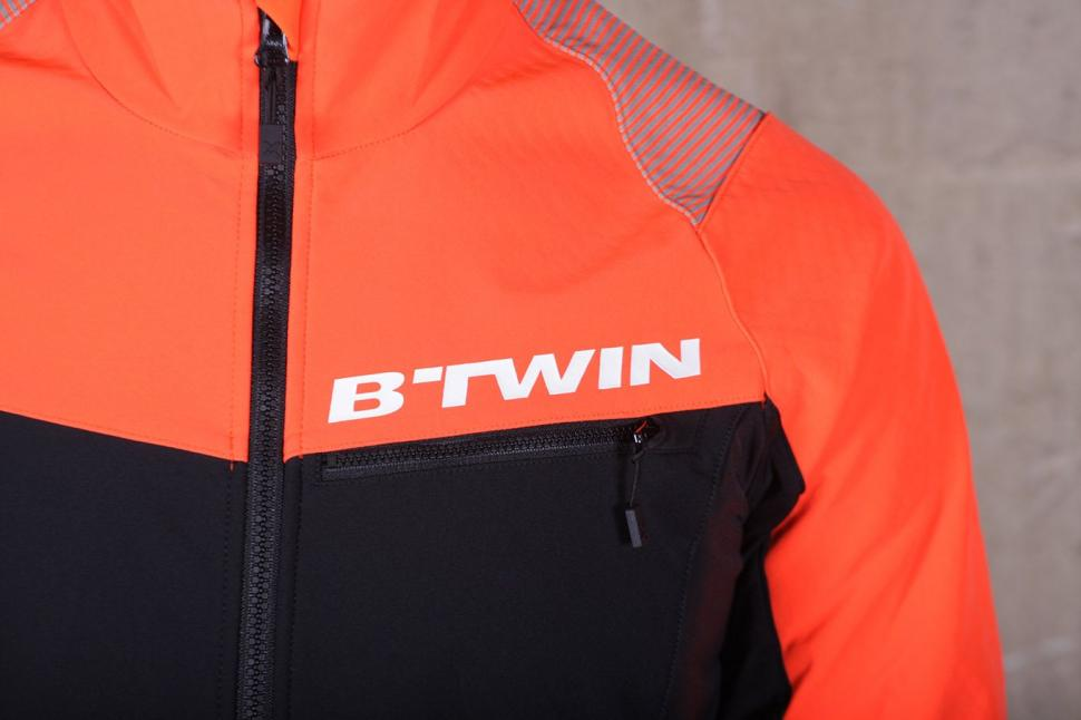 BTwin 500 Warm Cycling Jacket - chest.jpg