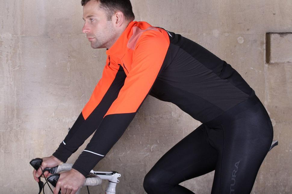 BTwin 500 Warm Cycling Jacket - riding.jpg