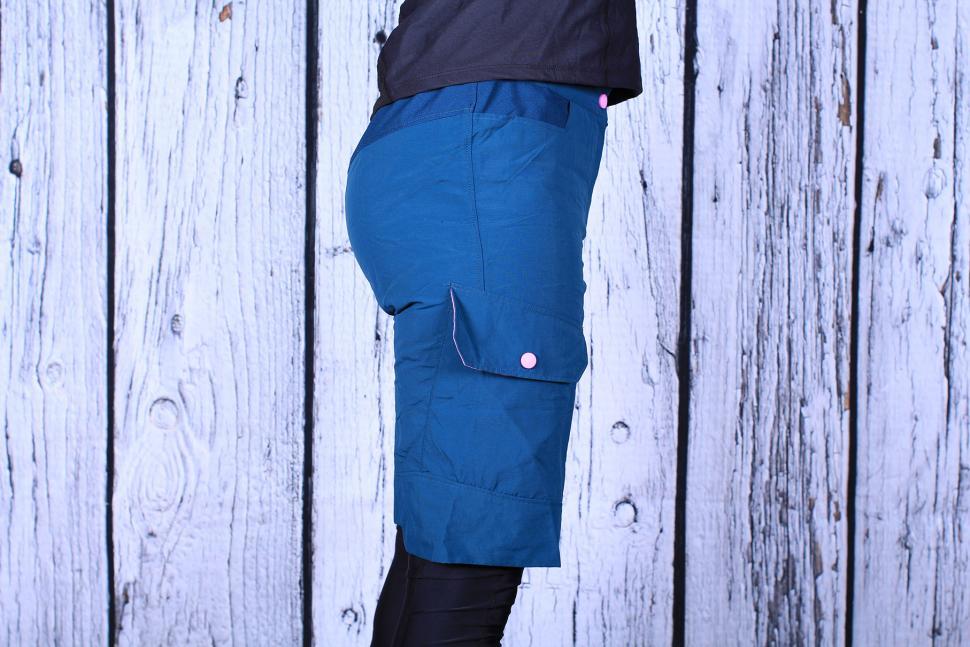 BTwin 500 Womens Mountain Bike Shorts - side.jpg 46c968036