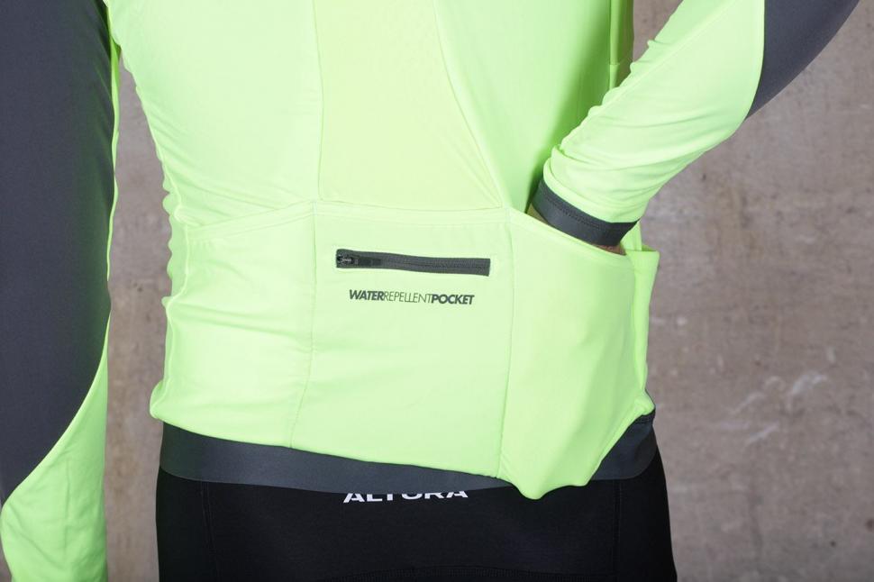 BTwin 700 Warm Long Sleeve Cycling Jersey - pockets.jpg