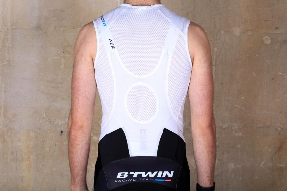 BTwin Aerofit Cycling Bib Shorts - straps back.jpg
