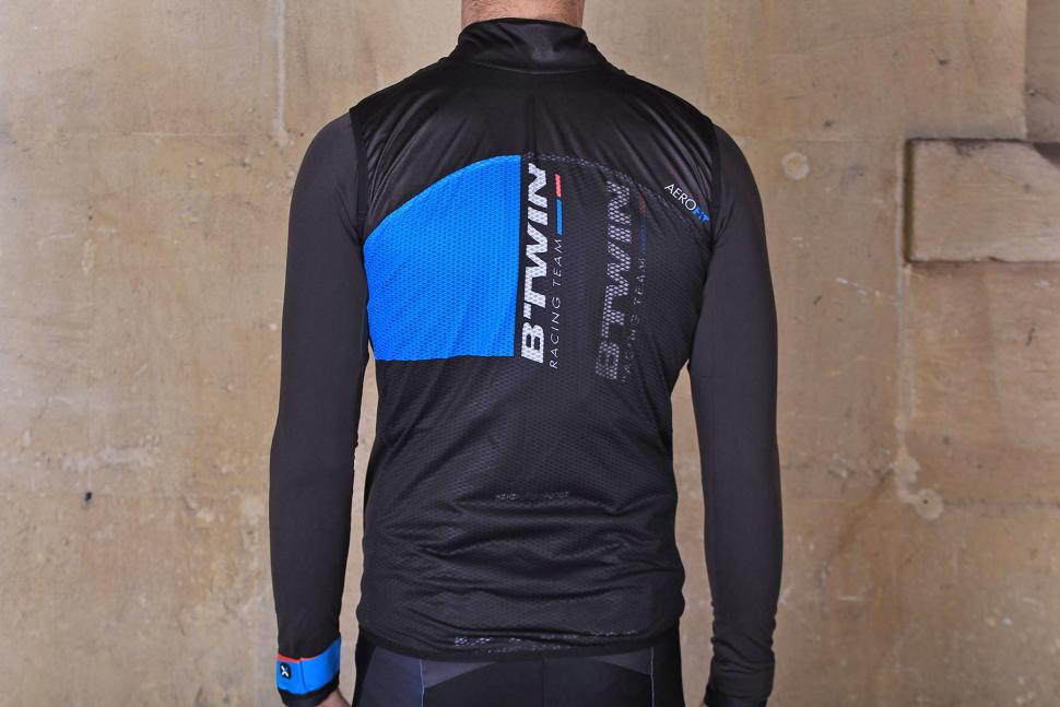 BTwin Aerofit Road Cycling Gilet - back.jpg