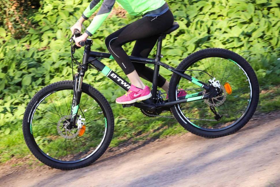 BTwin Rockrider 700 - riding 2.jpg