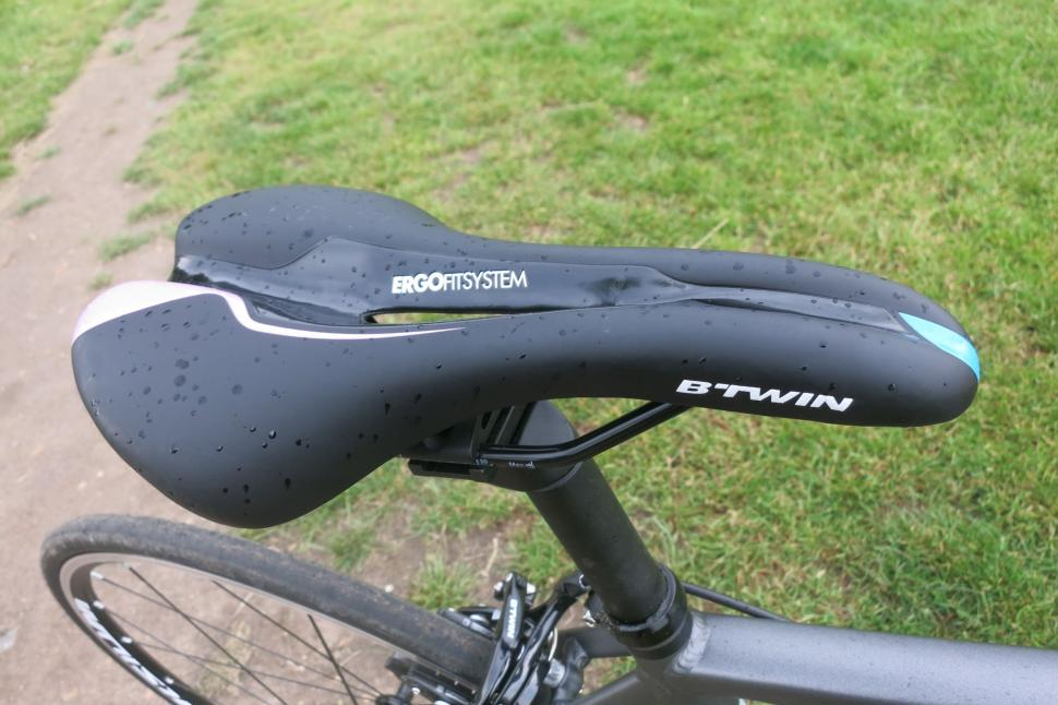 BTwin Triban 540 - saddle.jpg