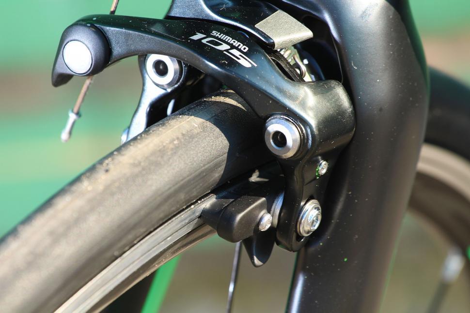 BTwin Ultra 700AF - front brake.jpg