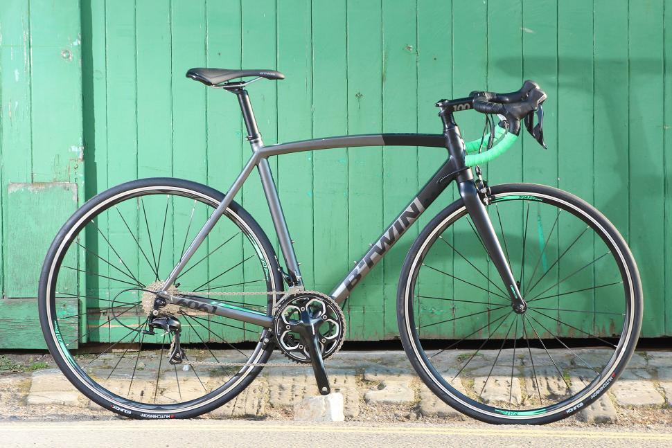BTwin Ultra 700AF - full bike.jpg