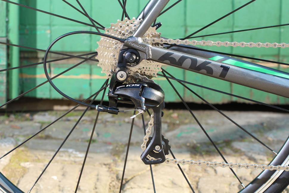 BTwin Ultra 700AF - rear mech.jpg