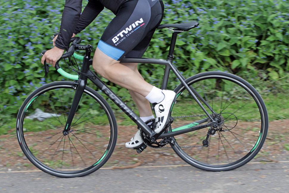 BTwin Ultra AF 700 - riding 2.jpg