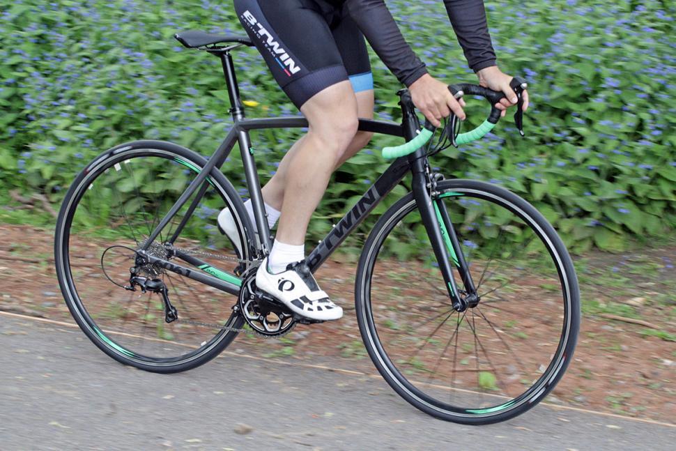 BTwin Ultra AF 700 - riding 3.jpg