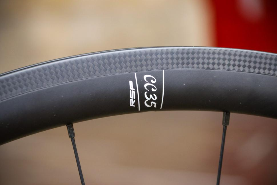Calavera Carbon Road Wheels - decal 2.jpg