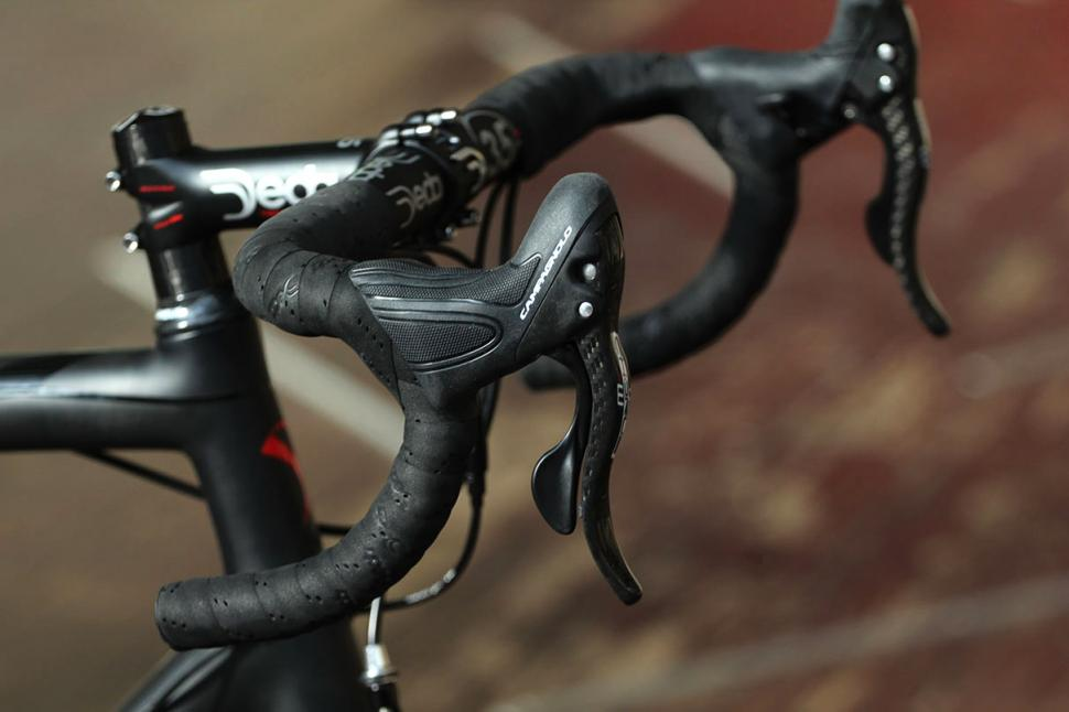 Campagnolo Chorus groupset - Ergopower controls.jpg